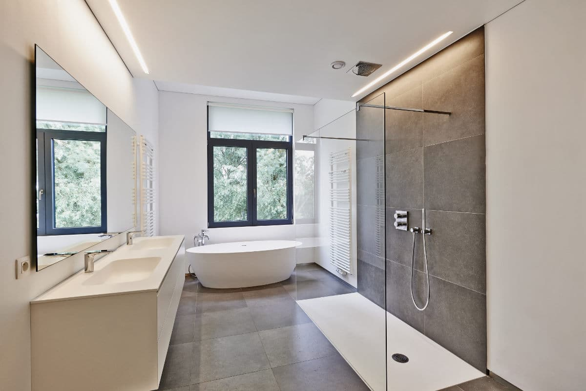 spanwand badkamer
